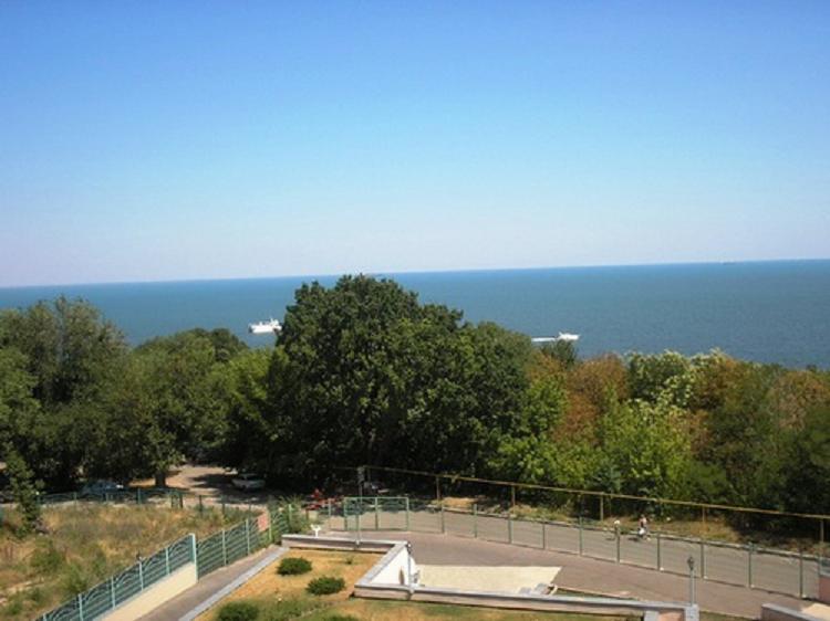 Дом на Черноморской 1