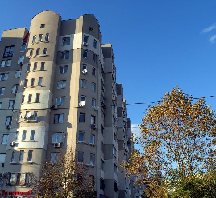 Дома на Тополева