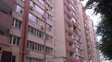 Продам квартиру на 1 этаже на улице Зоопарковой!