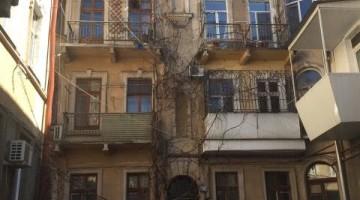 Продам квартиру в старом фонде на Новосельского!