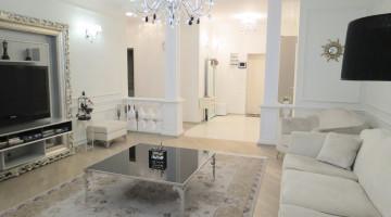 Предлагается к продаже трехкомнатная квартира на проспекте Шевченко!