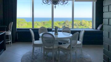 Элитная квартира с прямым видом на море в ЖК Белый парус