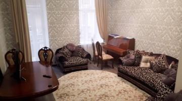 Сдаётся двуспальневая квартира 100 кв м на ул.Дерибасовская