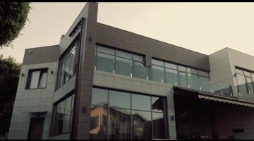 Стильный дом с бассейном в Совиньоне!