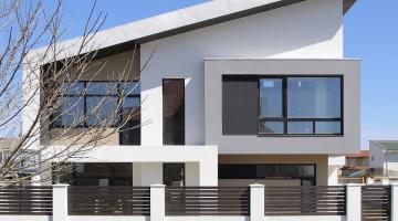 Продается современный дом с участком 10 соток  в Совиньоне-2