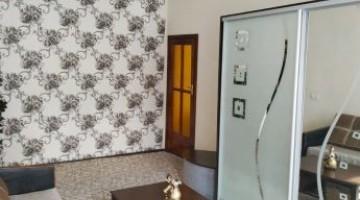 В продаже 3-комн. квартира с ремонтом в центре города