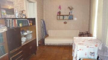 Продам в историческом центре квартиру с возможностью расширения.